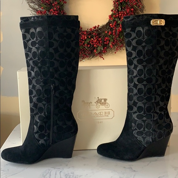 Coach signature Tall Wedge Boot. Very Blk. Sz 9.5
